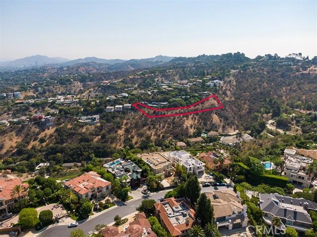 3701 Glenridge Drive, Sherman Oaks CA: https://media.crmls.org/mediascn/fc279fa3-9773-40cd-931e-fcf093b8bc42.jpg