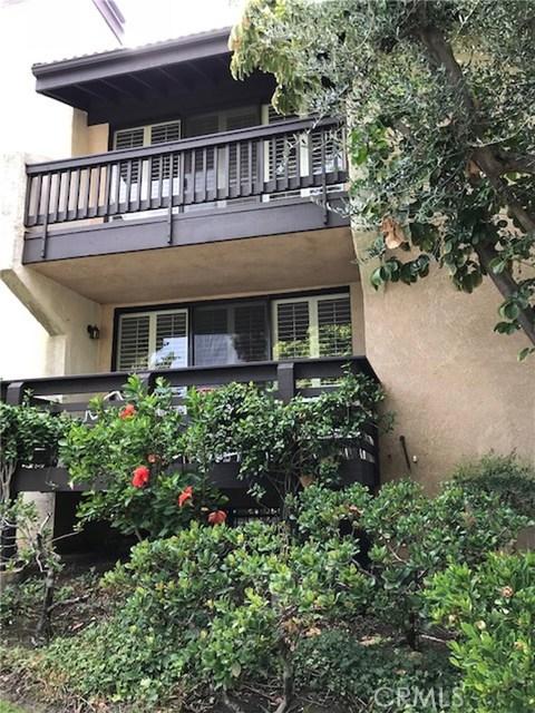 21900 Marylee Street 266, Woodland Hills, CA 91367