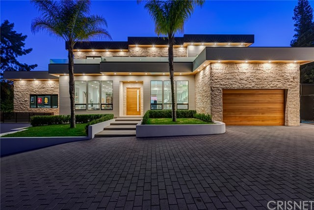 4136 Hayvenhurst Drive, Encino, CA 91436