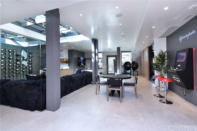 Image 28 of 1807 Blue Heights Dr, Los Angeles, CA 90069