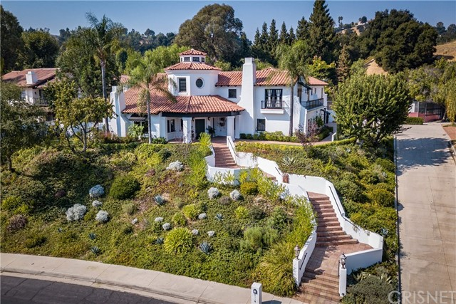 Photo of 4119 Vicasa Drive, Calabasas, CA 91302