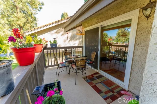 22. 66 Mockingbird Court Oak Park, CA 91377