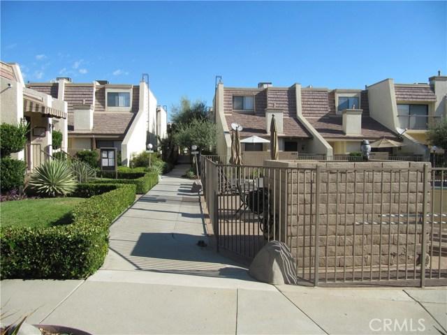 Photo of 18423 Collins Street #D, Tarzana, CA 91356