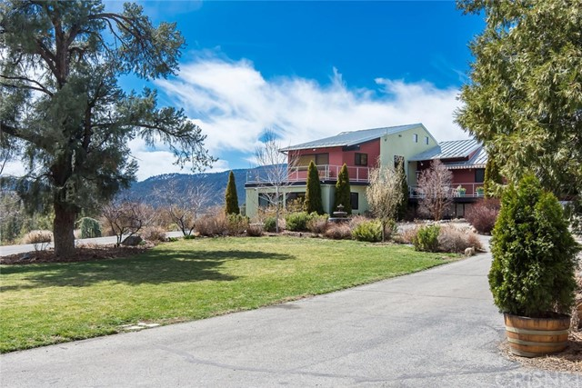 8072 Cuddy Valley Road, Frazier Park, CA 93225