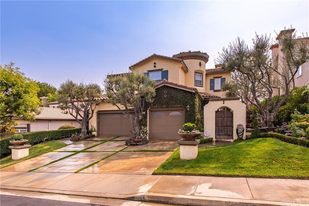 Photo of 428 Woodland Road, Simi Valley, CA 93065