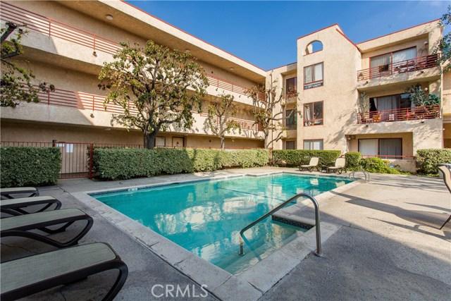 6820 Remmet Avenue 307, Canoga Park, CA 91303