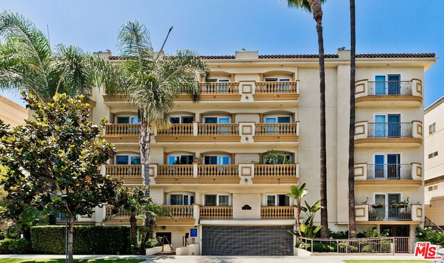 123 S CLARK Drive 104, West Hollywood, CA 90048