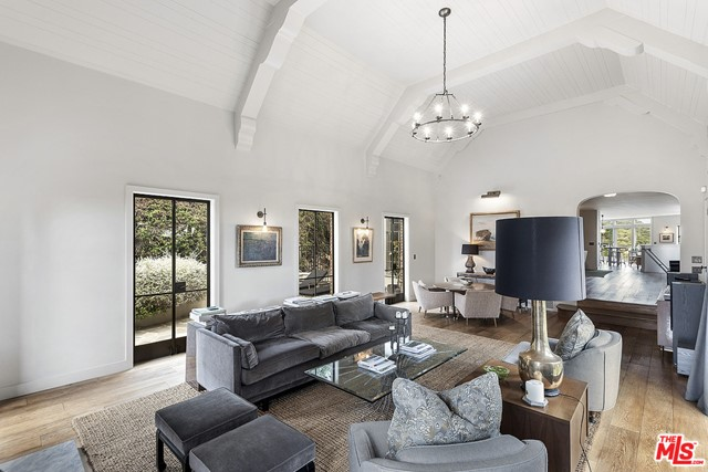 Image 15 of 3705 Lowry Rd, Los Angeles, CA 90027
