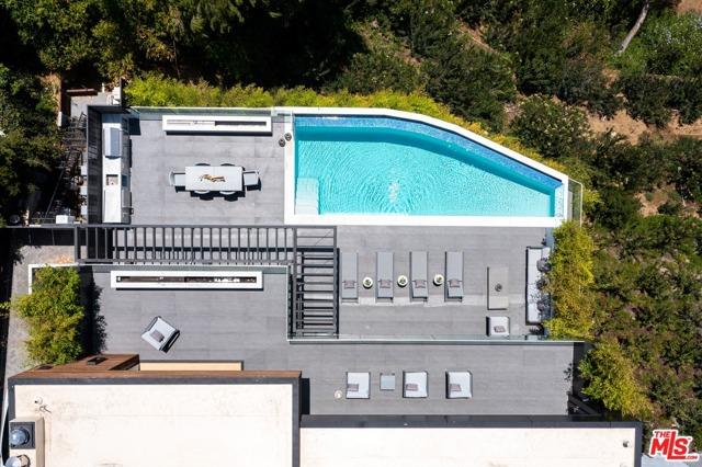 8. 9410 Sierra Mar Place Los Angeles, CA 90069
