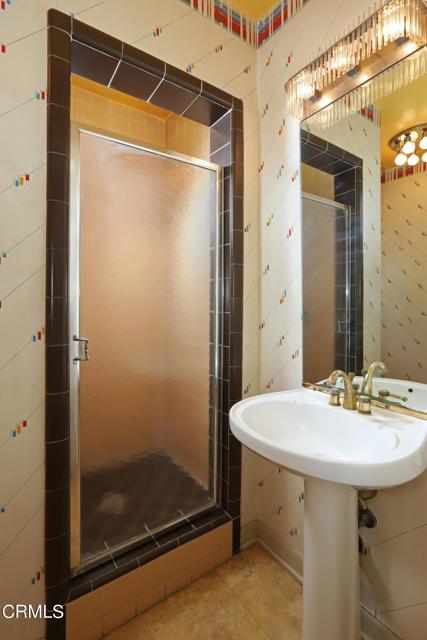 38Guest Bathroom