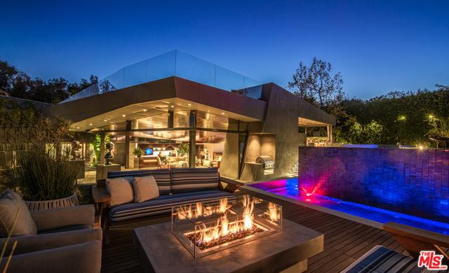 Image 4 of 314 N Barrington Ave, Los Angeles, CA 90049