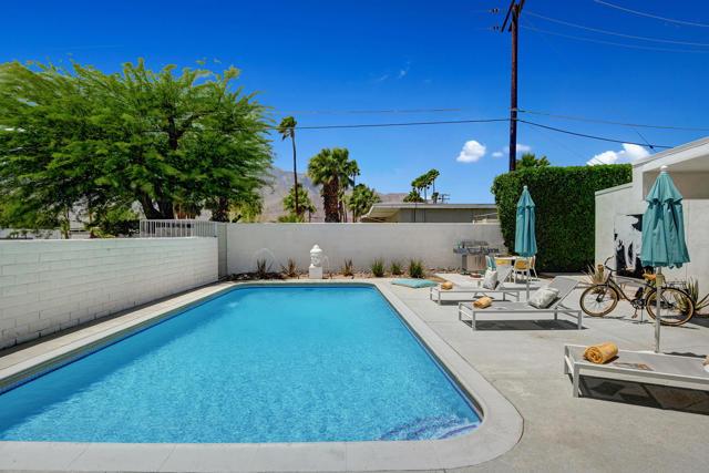 17. 3390 E Paseo Barbara Palm Springs, CA 92262
