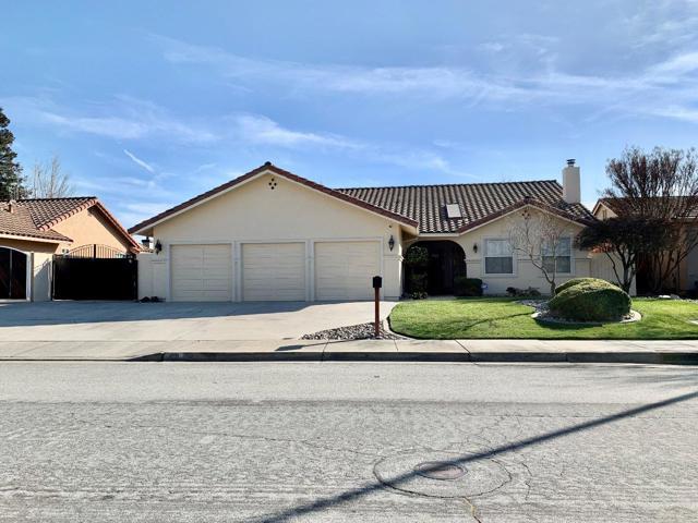 401 Irma Drive, Hollister, CA 95023