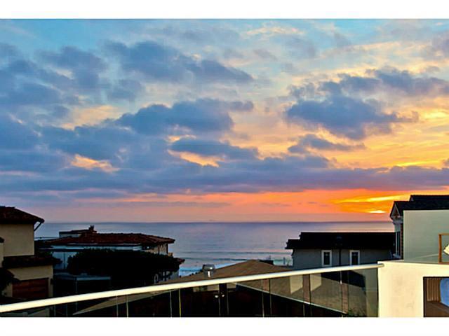 141 13th St (access 141 Lois Lane) Del Mar, CA 92014