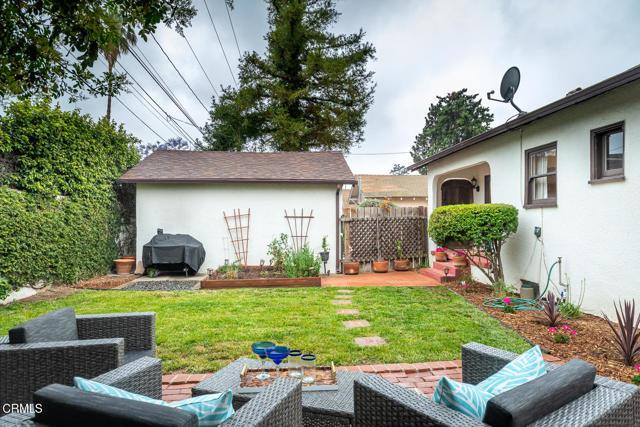 28. 2120 Parnell Way Altadena, CA 91001