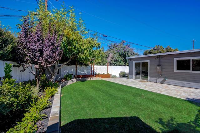 1118 Cobb Street, San Mateo CA: https://media.crmls.org/mediaz/01E7C19B-4922-4717-84A2-36981B02E9FB.jpg