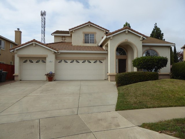 13 Longfellow Circle, Salinas, CA 93906