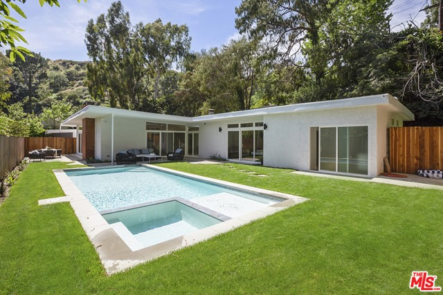 9025 WONDERLAND PARK Avenue, Los Angeles, CA 90046