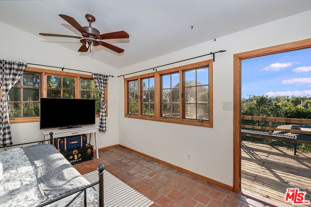 10935 Longford St, Lakeview Terrace, CA 91342 Photo 19
