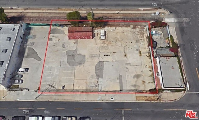 2615 SOUTHWEST, Los Angeles, CA 90043