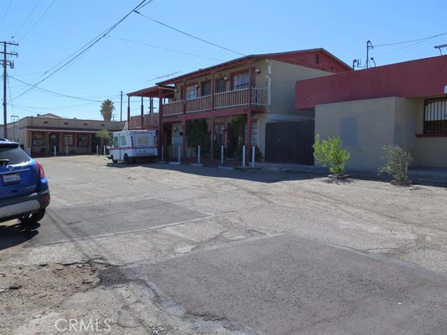 405 N 1st Avenue, Barstow, CA 92311