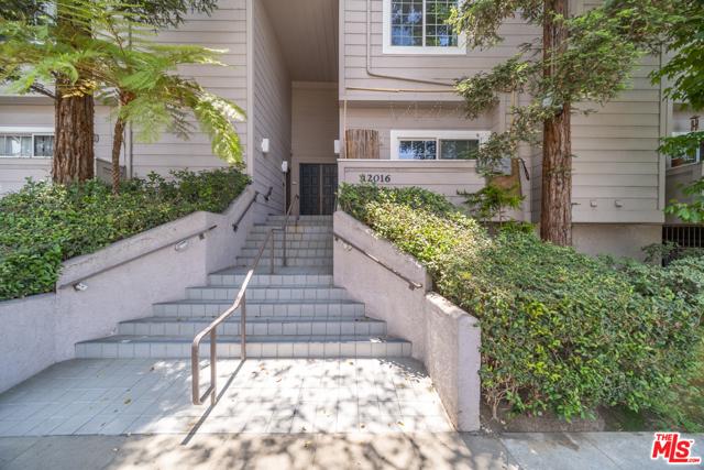 24. 12016 Washington Place #111 Los Angeles, CA 90066