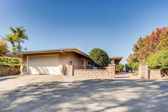 9312 Jovic Rd, Lakeside, CA 92040