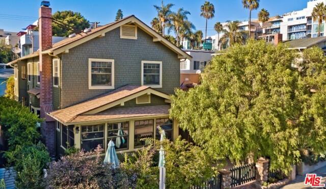 17 VICENTE Terrace, Santa Monica, CA 90401