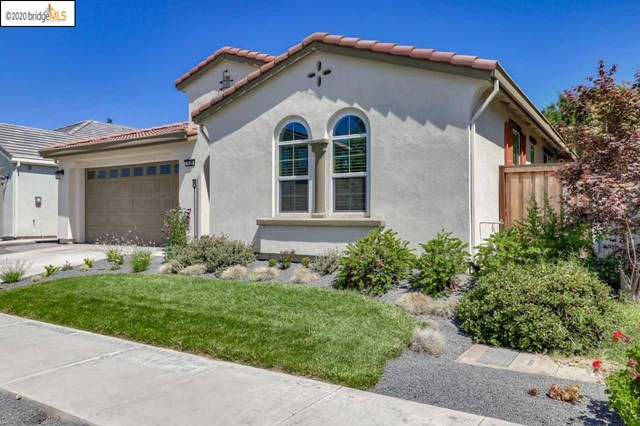 529 S Thrasher Ln, Tracy, CA 95376