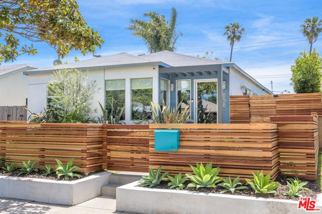 858 Flower Avenue, Venice, CA 90291