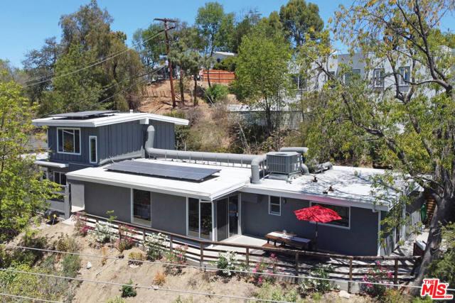 43. 4901 Escobedo Drive Woodland Hills, CA 91364