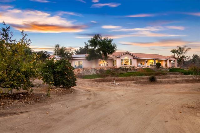 1552 Mountain View Rd, El Cajon, CA 92021