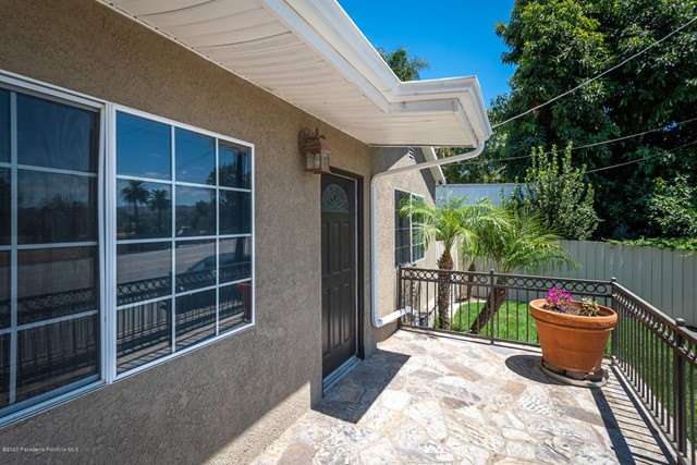 10631 Foothill Bl, Lakeview Terrace, CA 91342 Photo 4