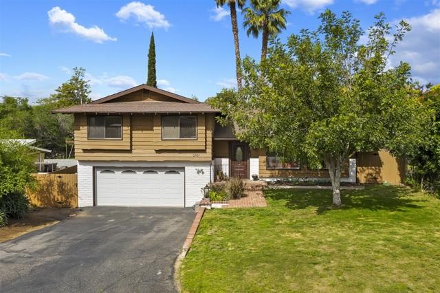 2461 Hummingbird Hill Lane, Fallbrook, CA 92028