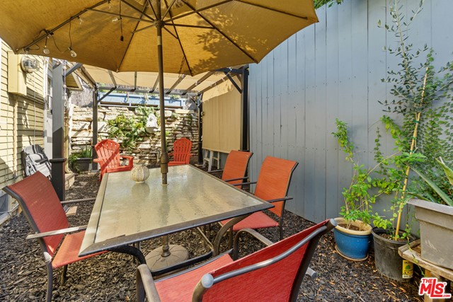 1142-1 S Oxford Ave, Los Angeles, CA 90006