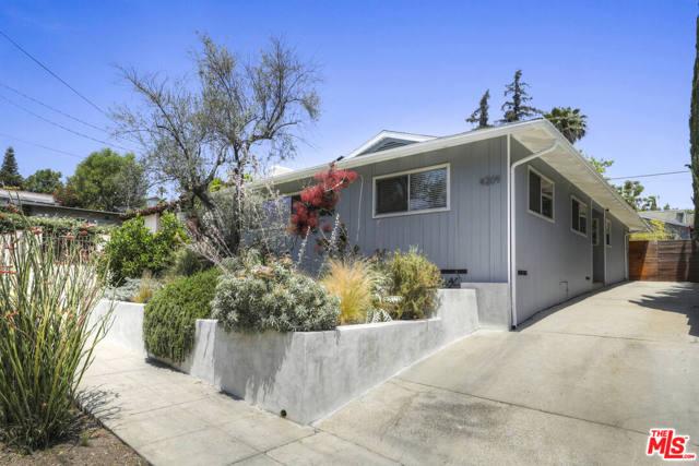 37. 4209 Clayton Avenue Los Angeles, CA 90027