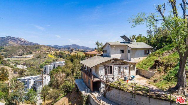 19. 6850 Cahuenga Park Trail Hollywood, CA 90068