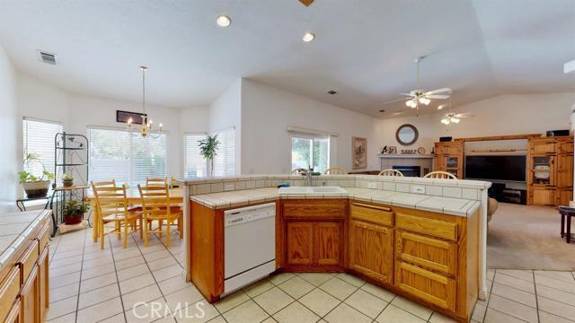 Image 31 of 19383 Arcata Rd, Apple Valley, CA 92307