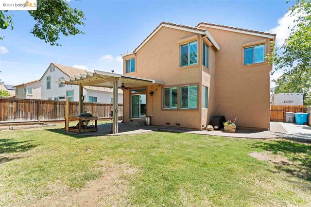 31. 619 Edenderry Dr Vacaville, CA 95688