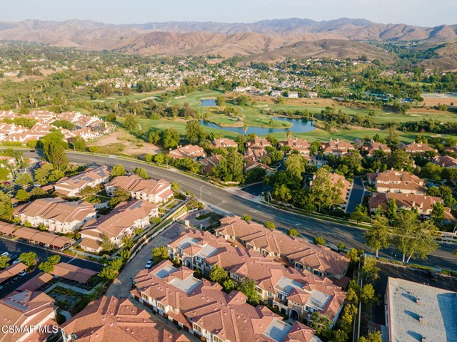 53. 461 Country Club Drive #111 Simi Valley, CA 93065