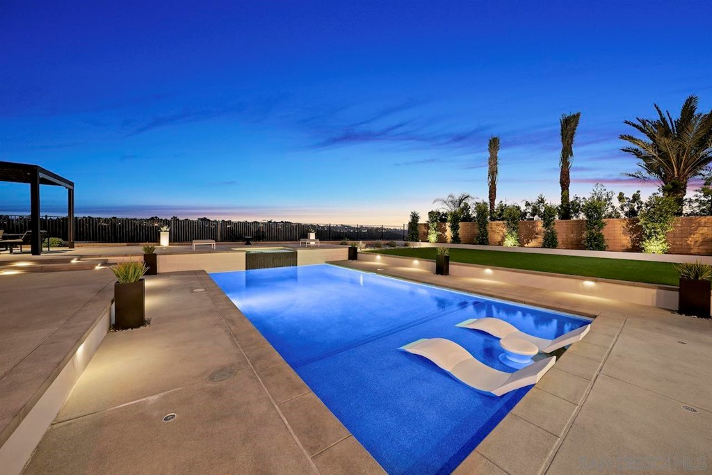 5325 Sweetwater Trails San Diego, CA 92130