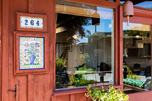 8. 264 15th Avenue Santa Cruz, CA 95062