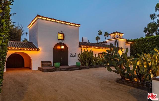 820 N Roxbury Drive, Beverly Hills, CA 90210