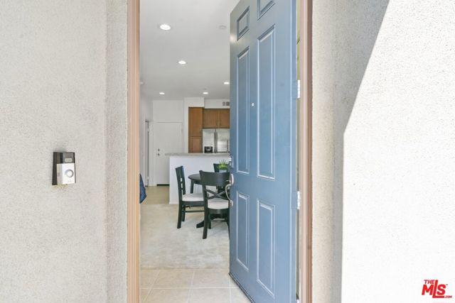 Keyle Entry w/ Ring Doorbell