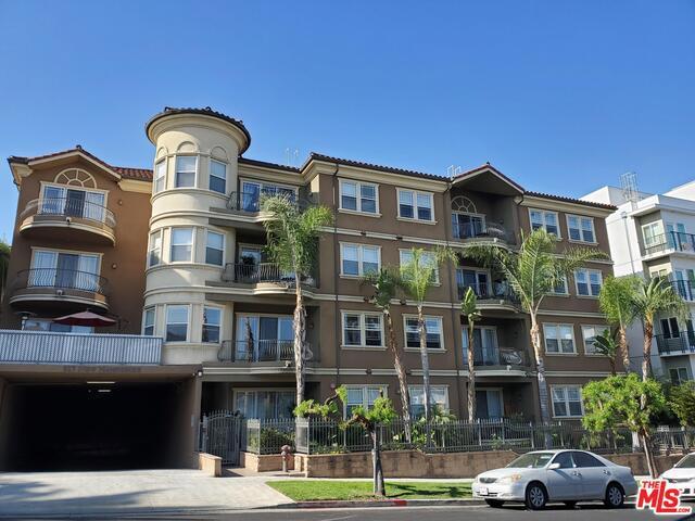 917 S NEW HAMPSHIRE Avenue 208, Los Angeles, CA 90006
