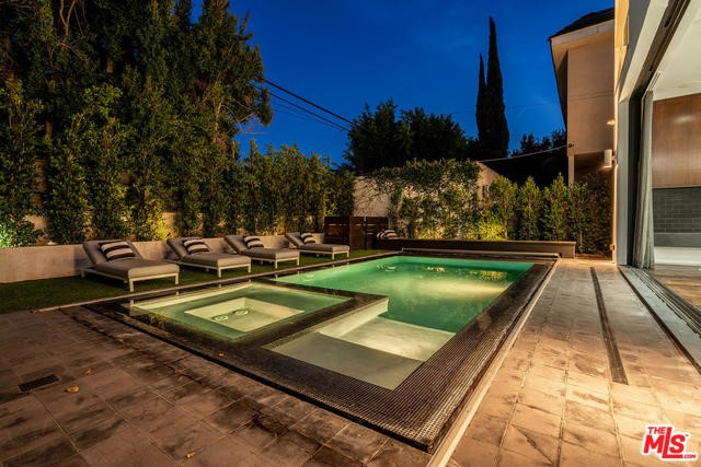 128 S ALMONT Drive, Los Angeles, CA 90048