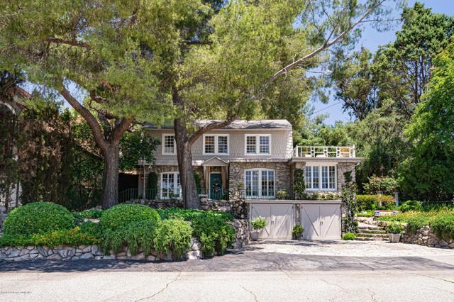 2427 Los Amigos Street, La Crescenta, CA 91214