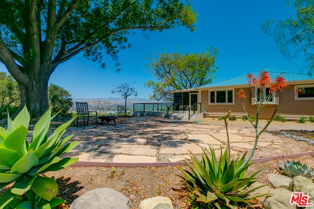 18450 S MOUNTAIN Road, Santa Paula, CA 93060