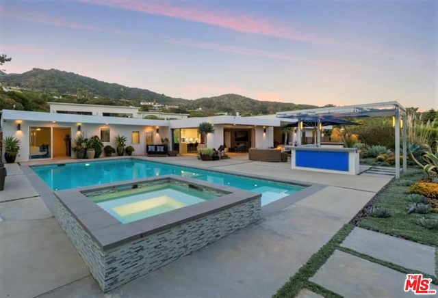 317 SURFVIEW Drive, Pacific Palisades, CA 90272