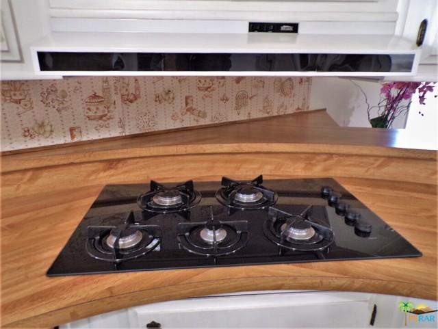 Newer Dacor Five Burner Cooktop & Broan Hood